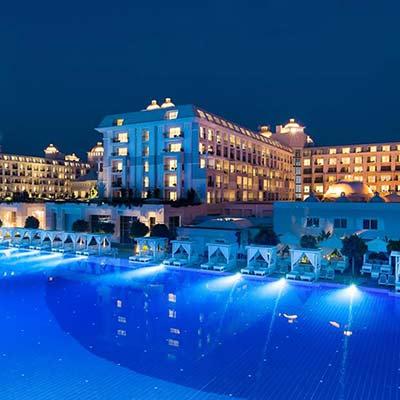 هتل تایتانیک دلوکس گلف بلک (Titanic Deluxe golf)