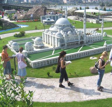 کلکسیون جاذبه های ترکیه در پارک مینیاتورک استانبول