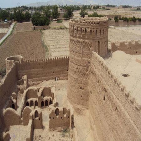 دژ مهرپادین، نگهبان کهنسال شهر مهریز یزد