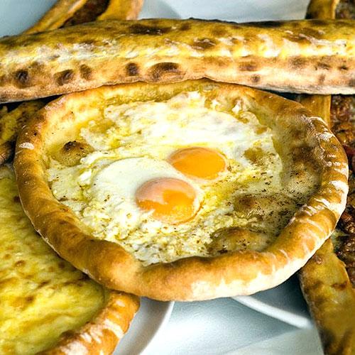 خوردن این پیتزا را در سفر به ترکیه فراموش نکنید